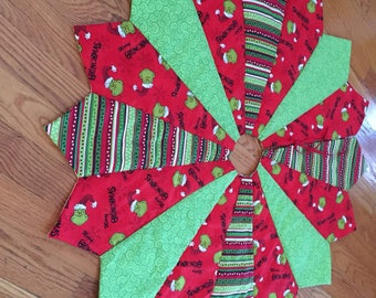 Grinch Christmas tree skirt, quilted tree skirt, the grinch who stole Christmas, white, red, green