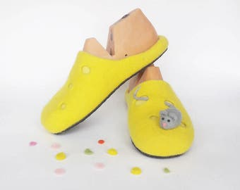 Slippers Womens wool slippers Handmade house shoes slippers for women wool felt slippers warm adult custom Felted wool slippers Yellow
