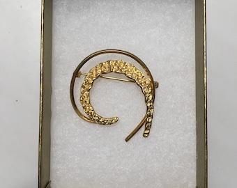 Vintage Gold Crescent Brooch