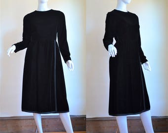 1960s Classic & Luxurious Black Velvet Dress By Morty Sussman for Mollie Parnis Boutique