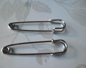 x 2 brooches pins silver metal matte 5 x 1.3 cm