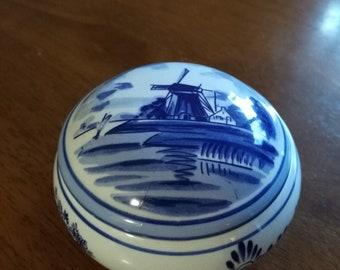 Ceramic Collectibles, Delftware.