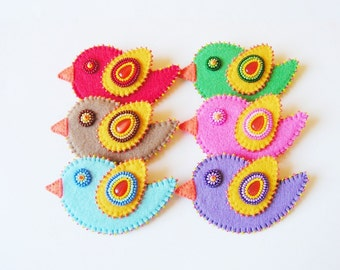 Bird brooch Felt Bird Pin Bead embroidery Bird Pin Embroidered felt jewelry  Girls brooch Colorful Jewelry MADE TO ORDER