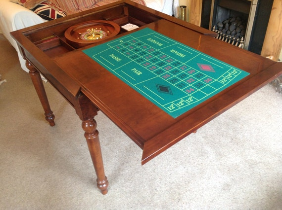 Renzo Romagnoli Walnut Finish Roulette Table