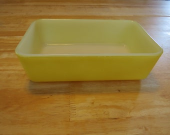 Set of 2 Vintage McKee Refrigerator Dishes Yellow and Green Kitchen Decor