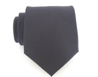 Mens Charcoal Gray Silk Necktie With *FREE* Matching Pocket Square Set