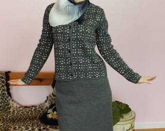 Lovely 1950s/1960s Grey Wool Two-Piece Cardigan Jacket & Skirt Suit Set Size SMALL