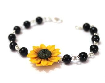 Yellow Sunflower and Pearls Bracelet, Sunflower Bracelet, Yellow Bridesmaid Jewelry, Sunflower Jewelry, Summer Jewelry