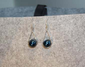Dark blue pearl earrings, Elegant earrings, Handmade Earrings