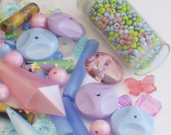 100 Assorted Pastel Beads and Pendants Plus a Tube of Size 8 Sead Beads // Blue, Pink, Lavender, Yellow, Green Destash Bead Mix