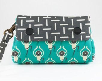 Funny monkeys purse, Wallet women, Cute wallet, Vegan wallet women, Green wallet, Cheeky monkey, Animal purse, Quirky purses, Funky purses