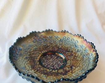Stunning piece of ANTIQUE FENTON CARNIVAL Vintage Glass Bowl
