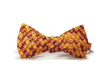 Honeycomb bowtie, Beehive bowtie, bee bowtie, spelling bee bowtie, honey bee bowtie, mens bowtie, honey amber yellow
