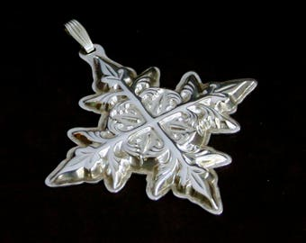 Reed & Barton Sterling Christmas Cross 1982 Ornament
