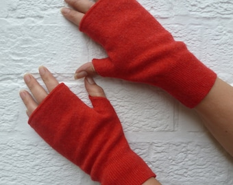 Ladies red lambswool handwarmers womens fingerless mitts texter winter gloves handmade medium size eco-friendly fingerless gloves.