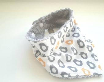 Bavoir bandana, anti bavouille bébé, bavoir bandana poussins, bavoir modern, bavoir triangle, bavoir pâques, cadeau de pâques pour bébé,