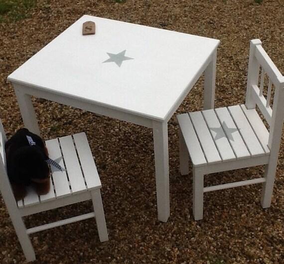 Ensmble table et 2 chaises pour enfant patin blanc avec for Table avec chaise enfant