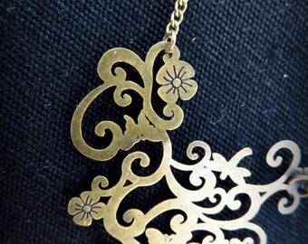 Necklace art nouveau brass flower print