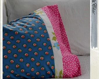"DREAM IT. ""red.neck Chic"" pillow case / vintage sheet / vintage sheet pillowcase / bedding / vintage bedding / standard pillow case"