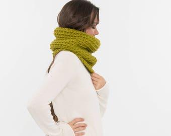 Chunky Knit Wool Scarf, Knitted Infinity Cowl, Cozy Neck Warmer, Handmade Women's Warm Winter Accessory, Crocheted Knitwear / LEMONGRASS