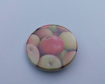 Apple pin, apple badge, pinback button, for apple lovers, my favorite fruit is apple, pinback button gift, present, nature inspired badges