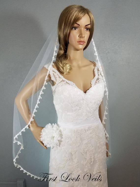 White Veil, Lace Wedding Veil, Bridal Veil, Fingertip Veil, Glass Bead accessory, Lace Veil, Bridal Accessory, Crystal Veil, Floral Veil