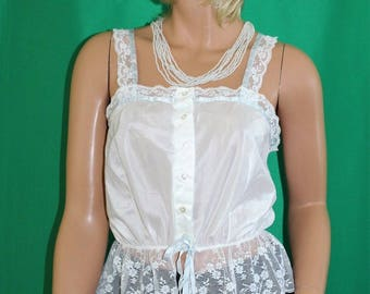Vintage 70's White Lace Trimmed Cotton Top Blouse - Deena of California Size 38