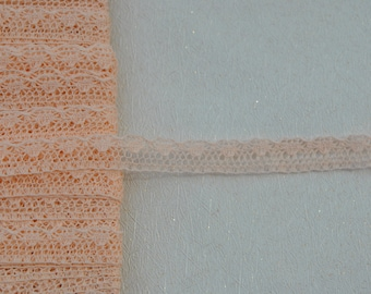 suberb vintage 1950s pale pink valenciennes all cotton lace trim made in France 3 meters