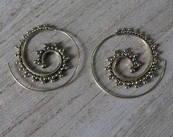 Pair of spiral earrings