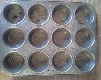 Vintage Muffin Pan made by Bake King