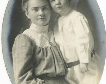 vintage photo 1910 Little Boy Child With Beautiful Young Mother Oval