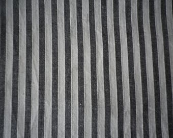Pure linen black and white stripe, really great summer fabric with a lot of uses and potential. Price is for the 2 metre piece.