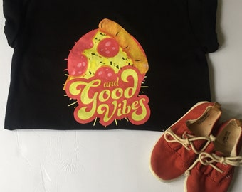 Pizza and Goodvibes T-shirt