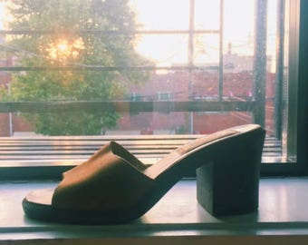 Candies 90s Brown Leather Mules size 9