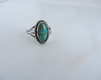 Gorgeous Vintage Sterling Silver Southwestern Native American Style Turquoise Stone Ring Size 7-3/4 - Bisbee or Royston Turquoise