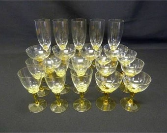 A quantity of glass to include drinking glasses and fruit bowls