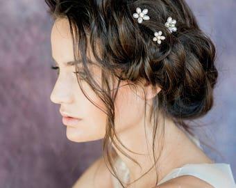 Gold Crystal Pearl Flower Bridal Hair Pins, Rose Gold Hair Pin Set, Silver Floral Hair Pins, Pearl Headpiece, Hair Pin Set of 3, CARILLA