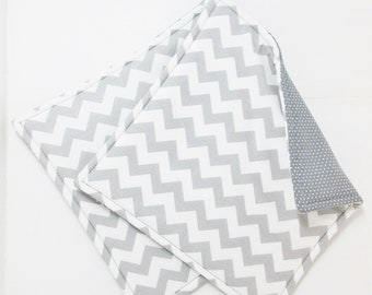 Gray Chevron Pot Holders, Set of 2 Grey Chevron Potholders, White Gray Chevron Kitchen Decor, Grey Kitchen Hot Pads, Gray Potholders