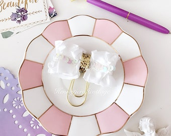 Planner Clip : Gorgeous WHITE Bow Shaped Gold PaperClip | Page Clip | Bookmark | Page Marker . Planner accessories supply.
