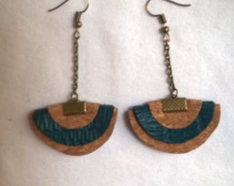 Earrings made of Cork and leatherette