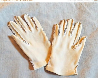 ON SALE: Vintage Ladies' Gloves - 1950s, White  with Blue Stitching, Small