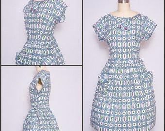 1950s Dress / 50s Dress / Novelty Print Dress / Day Dress / Pinup Dress / Shirtwaist  Dress / 1950s Fashion / Roman Statues
