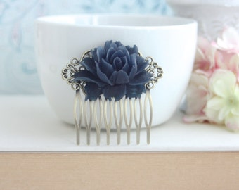 Shabby Chic Dusty Navy Blue Rose Flower Comb, Antiqued Brass Blue Comb, Bridal Hair Comb. Bridesmaid Gift, Something Blue, Navy Blue Wedding
