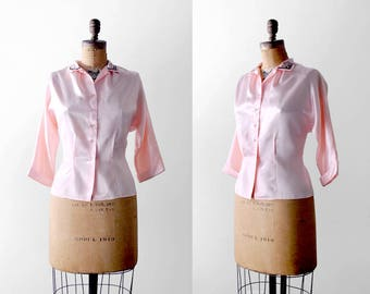 50's pink blouse. large. 1950's satin top. button down. collared. 50 blouse. swirled metal.