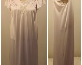 70s Vanity Fair Lavender Full Length Nightgown Size XS