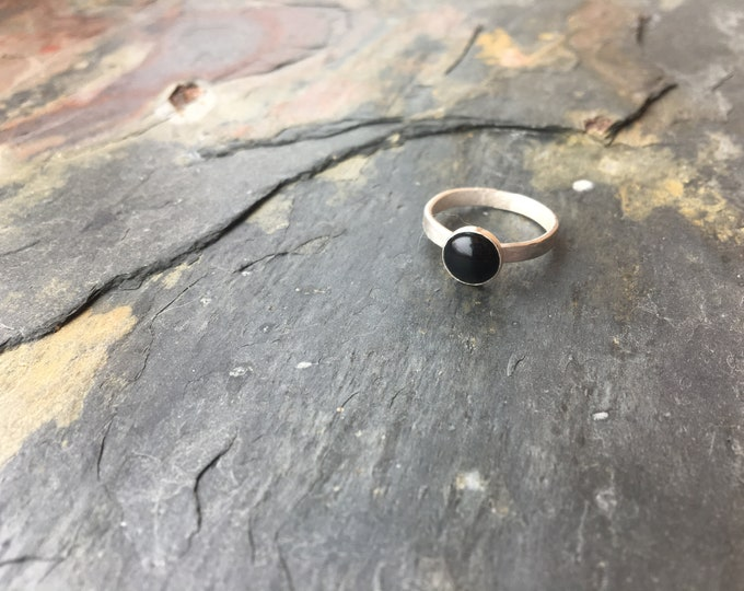 Sterling Silver Textured Band with 8mm Black Onyx Smooth Simple Basic size 7