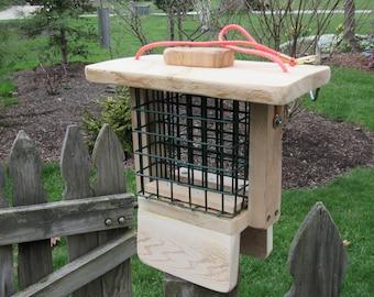 Double cedar suet feeder, 2 wire baskets