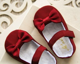 Burgundy baby shoes, Wine red baby girl shoes, Flower girl shoes, Baby dress shoes, photo prop, mary jane, baby shower gift, toddler shoe