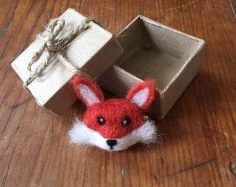 Needle felt fox brooch