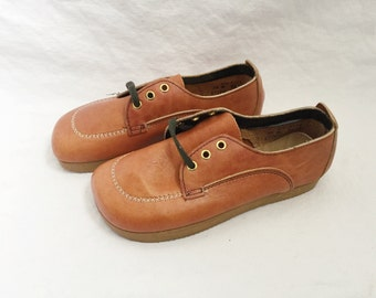 kids deadstock hush puppies size 4